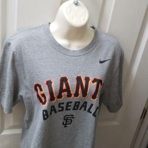 SF Giants t shirt, like new, S Small